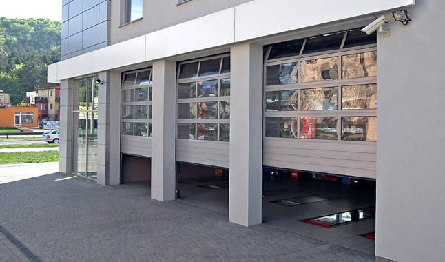 Sezionale industriale vetrato 8